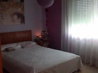 Habitación doble con vestidor, en piso soleado