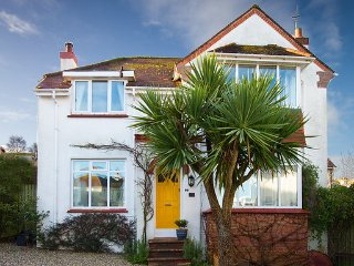 Hill Crest Characterful 1930's 4 Bedroom House., Paignton