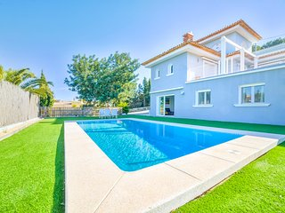 Villa Gema -  Just 5 drive min to Calpe and the sand beaches.