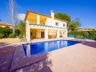 Villa Gio - With private pool, BBQ and only 100 m to the sea.