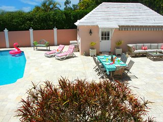 Bermuda Cottage♥Priv Pool★Tennis★Beach 5 min ride★Walk to Hamilton★King Bed, Paget