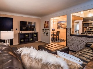5 STAR RATED extended stay condo in Cincinnati, Blue Ash