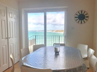 Chy Lowen 4 bedroom clifftop beach house