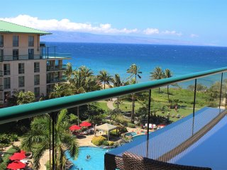 Maui Resort Rentals: Honua Kai Hokulani 649 - Upgraded 6th Floor 2BR, Fantastic