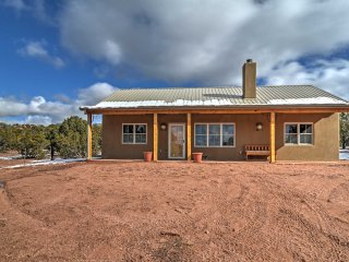 Charming 2BR Santa Fe House w/ Mountain Views!