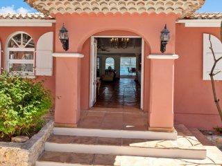 Villa Tanyria 4 bedrooms, holiday  villa overlooking Saint-Martin lagoon