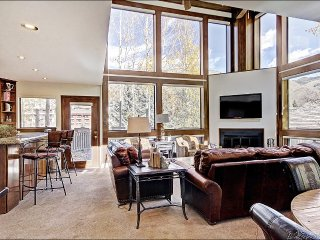 Large Creekside Home 200 Yards from Slopes, Contemporary Amenities (208258)