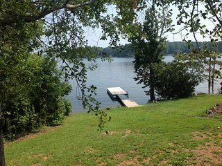 Lake Murray lakefront cabin, Leesville