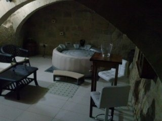 GROUND FLOOR 1 BEDROOM HOUSE OF CHARACTER IN VITTORIOSA ( BIRGU )