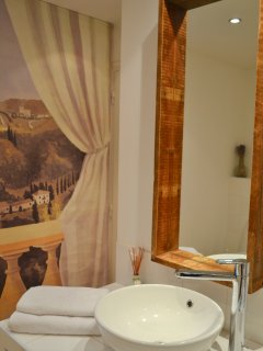 Bathroom 1 (detail)