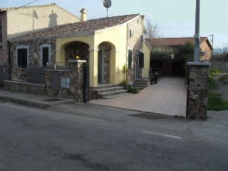 Spacious and Central VIlletta in San Teodoro - Town Center