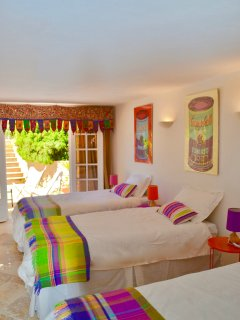 Bedroom 4, garden floor, 3 single beds, en-suite bathroom