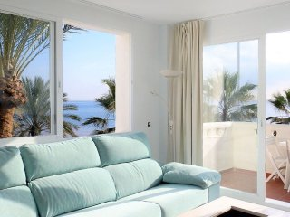 WATERFRONTMALAGA.COM beachfront,wifi, aircondiiton,TV-SAT,Parking, Puerto