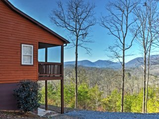 NEW! 'Tranquility' 4BR Young Harris Home w/Mtn Views!