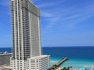 STUNNING CONDO ON THE BEACH 2BEDROOM 40th FLOOR LA PERLA
