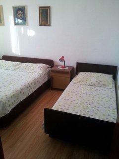 H(5+3): bedroom
