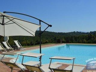 Villa in Tuscany : Siena / S. Gimignano Area Villa Stellare, Montalcinello