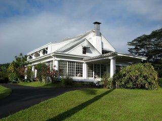 Grand Victorian Mansion in Hilo