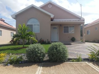 The Royal Villa, Portmore