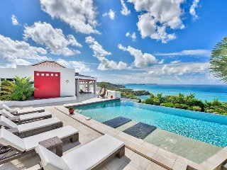 BELLE DE NUIT... Fabulous contemporary 5BR estate in secluded Happy Bay...Wow!