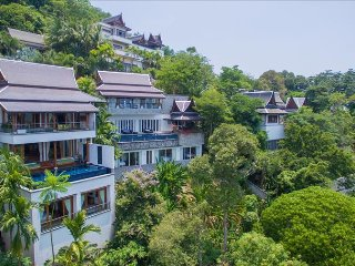 豪华泳池别墅 Luxury sea view villa on Surin hill with elevator and private pool. Villa