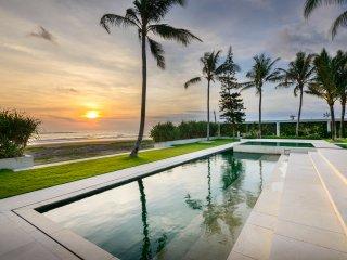Luxury Beachfront Villa near Tanah Lot Bali, Wedding & Leisure