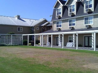 Homestead Resort 1 bdrm,slp4 Avail:May 4-20 and Sept.25-Oct.16,Only $699/ week, Lynden