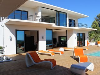 La Fęte Orange holiday vacation large villa rental france, south france