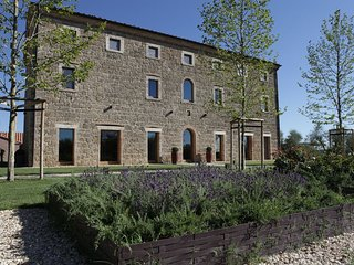 Villa Sarteano Luxury villa Tuscany for rent, large tuscan villa to rent, villa