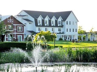 Homestead Resort luxury Condo, 1 bdrm,sleeps 4, Sept.25-Oct.16,Only $499/ week!, Lynden