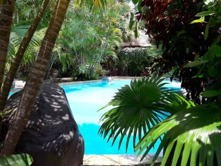 Large Traditional 2 Bedroom, Sleeps 6, generous central pool, great location. L8, Seminyak