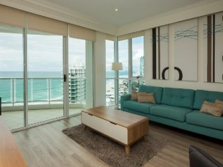 Modern two bedroom deluxe apartment with ocean views, Main Beach