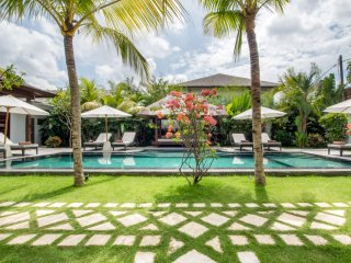 Kuta Holiday Villa 10055