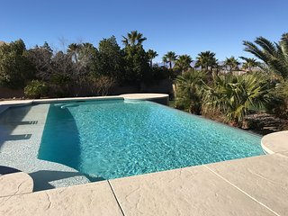 777RENTALS - Green Valley Oasis - Private Tennis,  Volleyball, Pool and Spa