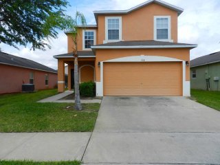 Sandy Ridge 4/3 Pool Home property, fully furnished, with full kitchen, and all linens and towels, Davenport