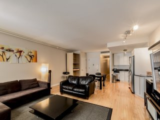 Full Floor Manhattan Apartment 2 BR/2 Full BA