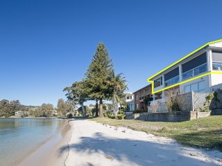 'Sunrise Waters', 2/63 Soldiers Point Road - stunning waterfront property