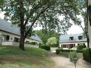 Sfeervol, luxe vakantiehuis met prachtig uitzicht op het dorp Carlux.