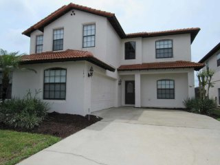 High Grove 5/3 Pool Home property, fully furnished, with full kitchen, and all linens and towels.