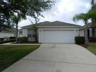 Southern Dunes 4/2 Pool Home property, fully furnished, with full kitchen, and