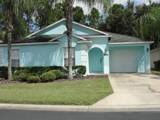Town Center 5/3 Pool Home property, fully furnished, with full kitchen, and all linens and towels, Davenport