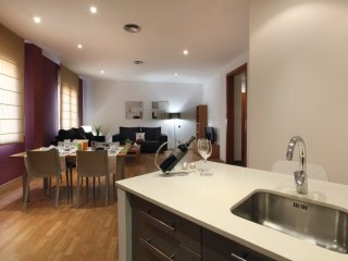 Places4stay Ramblas 2 Bedrooms Apartment