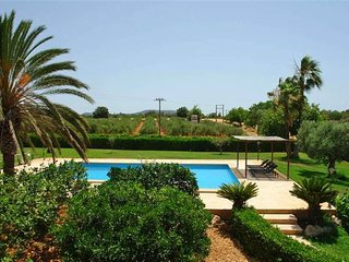 Cas Casai - only 14 kms from Portocolom with pool