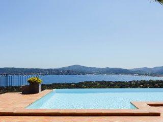 Splendide balcon sur la Mediterranee