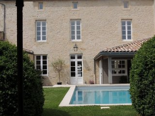Stunning stone manor house in prime location, Monsegur