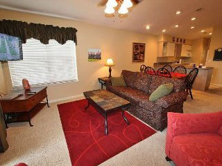 The Leading Edge-Updated 2 bedroom, 2 bath condo located at Holiday Hills, Branson