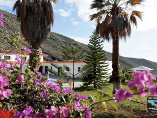 Unique Spanish villa with Palm Garden, Ocean Views, Private Apartments & Pool., Los Gigantes
