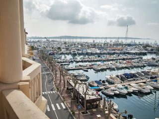 Captain's- 3 Bedroom Apartment near Cannes, Golfe-Juan Vallauris