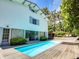 Grande et belle villa avec piscine