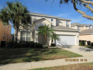 Spacious Emerald Island 6/4 Pool Home with game room, spa, two master bedrooms